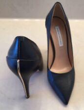 An Elegant Diane Von Furstenberg Women Black Pumps Size 8