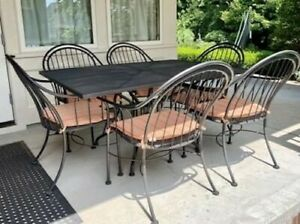 """Woodard Mid-Century Vintage Table and Six Chairs, Cushions Included (42"""" x 60"""")"""