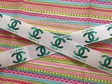 """1m Blanco Verde C famosa marca de cinta de grogrén con el logotipo de diseñador 7/8"""" 22mm"""