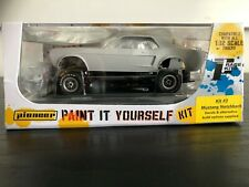 Pioneer Slot Car Kit 3 Ford Mustang Self Assembly Kit