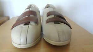 LADIES COSYFEET EXTRA ROOMY BEIGE/BROWN LEATHER ADJUSTABLE STRAP SHOES SIZE 5