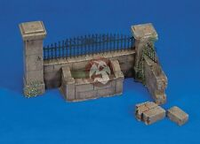 Royal Model 1/35 Wall Section with Water Fountain [Plaster with PE Diorama] 009