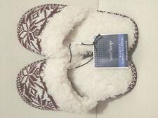 WEST LOOP WOMENS NORDIC SLIPPERS W/FAUX FUR LINING SMALL (5/6) MAROON SNOWFLAKE