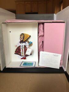 "1999 Madame Alexander 8"" Russia 24150 w Matryoshka Nesting Doll INTERNATIONAL"