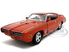 1969 PONTIAC GTO JUDGE ORANGE 1/24 DIECAST MODEL CAR BY MOTORMAX 73242