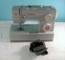Singer 4423 Heavy Duty Sewing Machine With Pedal & Accessories