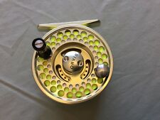 Orvis Acces Mid-Arbor Fly Reel I and Extra Spool I.