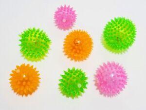 Hundespielzeug - Leuchtball - blinkend - diverse Farben - Squeaker - 5 6 7 cm