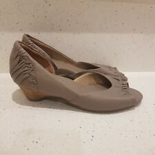 Ziera Size 37.5 W Taupe Kitten Heel Comfortable Shoes