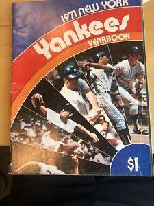 1971 NEW YORK YANKEES VINTAGE BASEBALL YEARBOOK
