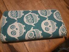 Large purse owls