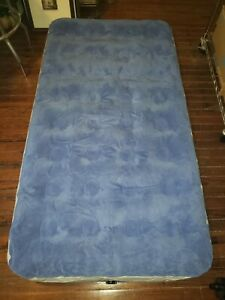 Aerobed Overnighter Twin Bed With Handheld Pump and Storage Bag Good