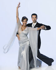 Dancing with the Stars [Cast] (41489) 8x10 Photo