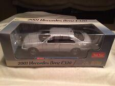 Mercedes Benz E 320 Sun Star 1170 1/18 scale