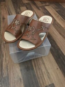 Fly Flot Brown Leather Leaf Embroidered Clogs Mules Sandals-size uk 4 Brand New