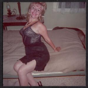 BODACIOUS TATAS KINKY HOUSEWIFE WOMAN SEX ADDICT ~ 1981 REPRINT of 1960s PHOTO