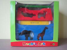 Noah's Ark in hout met 10 diertjes - Noah's arche en bois avec 10 animaux