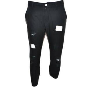 Pantaloni jogger neri uomo con bottone e tasche laterali con strappi e toppe cav