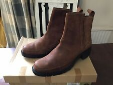 ladies timberland boots size 7.5