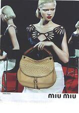 PUBLICITE  ADVERTISING 2008  MIU-MIU sac porté par KASIA STRUSS