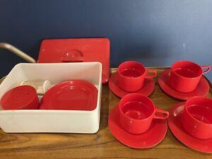 Vintage Red Picnic Set Plastic Carry Box Cup Plate S&P Pot