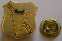 CHAMPAGNE PIERRY French Wine vintage pin badge