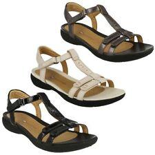 Sandali e scarpe t bar Clarks per il mare da donna