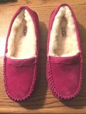 NEW UGG Australia Pink Slippers Scalloped Moccasin Hearts Cozy Easter Size 5
