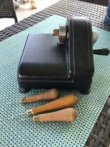 Vintage Bliss Portable Strip Slitter Cloth Cutter & 3 Latch Hooks ~ Rug Hooking