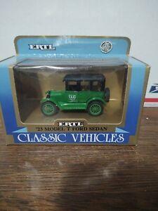 Vintage Ertl Diecast Classic Vehicles 1:43 '23 Model T Ford Sedan