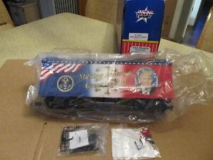 USA TRAINS NEW Custom Car 16025 Make America Great TRUMP Car Orig Box