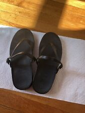 FITFlop black leather thong sandals women's size 8.5
