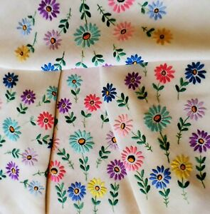 HAND EMBROIDERED Tablecloth DAISIES Floral VINTAGE Stunning