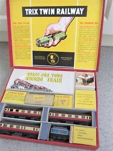 VINTAGE BR PASSENGER TRAIN 'TRIX TWIN RAILWAY' SET