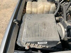 Air Cleaner Filter Box GMC YUKON XL 1500 00 01 02 03 04 05 06