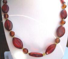 collier ancien bijou vintage perles résine couleur ambre fermoir cabochon 750