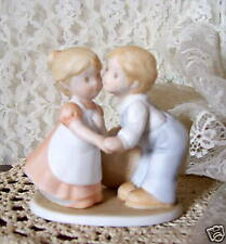 Circle of Friends Figurine First Kiss 1991 Homco