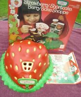 Vtg Strawberry Shortcake Toy Box 43300 Berry Bake Shoppe Kenner Case 1980 Flaws