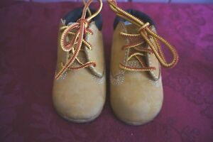 TIMBERLAND INFANT'S CRIB BOOTIE SIZE: 2