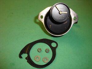 2J(4061) Jaguar XKE & Sedan Negative Earth Clock