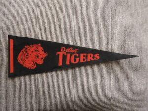 >orig. 1960's/70's Detroit Tigers 14x5 Vintage BASEBALL PENNANT w/Tiger Head