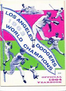 1964 LOS ANGELES DODGERS YEARBOOK KOUFAX DRYSDALE DAVIS WILLS