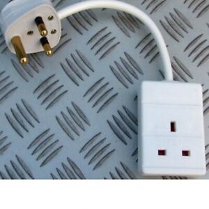 5A ROUND PIN PLUG FITTED TO A 13A TRAILING SOCKET WHITE 230V 240V 5A MAX!