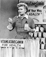 "LUCILLE BALL ""VITAMEATAVEGAMIN"" IN ""I LOVE LUCY"" 8X10 PUBLICITY  PHOTO (BB-752)"