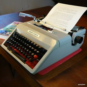 Olivetti Studio 45 Typewriter w/case and new ribbon: in fine working condition.