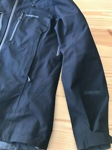 Patagonia Triolet Jacket Goretex Mens Small New without tags Never worn