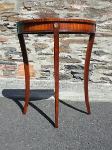 Bevan Funnell Reprodux Demi lune Hall Table