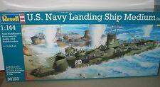 U.S. Navy LANDING SHIP MEDIUM & TRUCKS TANKS & WEAPONS 1/144 REVELL Kit 05132