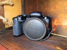 Fujifilm FinePix S8600 16 MP Digital Camera 36x Zoom with 3.0-Inch LCD Black