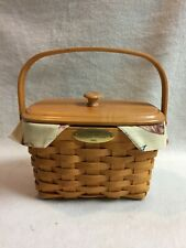 Longaberger (2001) Dresden Basket with Moveable Handle and Wood Lid